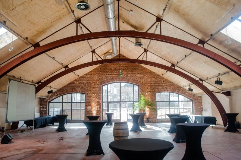 bruxelles location d 39 une salle salle classique anniversaire location salle classique pour. Black Bedroom Furniture Sets. Home Design Ideas