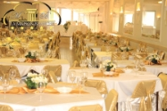 Location d 39 une salle salle classique anniversaire for Maison blanche classique